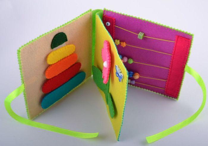 Как сшить своими руками развивающую книжку из фетра